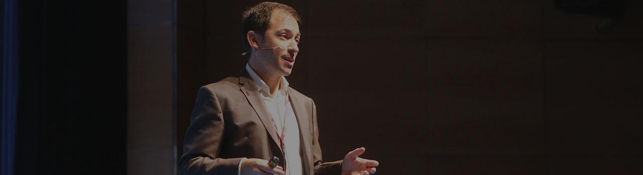 Conferencias Héctor Robles