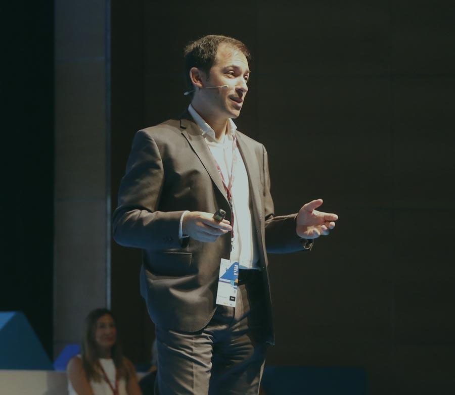 Héctor Robles speaker conferenciante sobre innovación